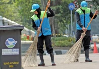 Hadapi Lebaran, PD Kebersihan Siap Siaga Bersihkan Bandung