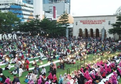 Diperkirakan 20 Ribu Umat Islam Bakal Sholat Subuh Berjamaah di Mesjid Raya Jabar