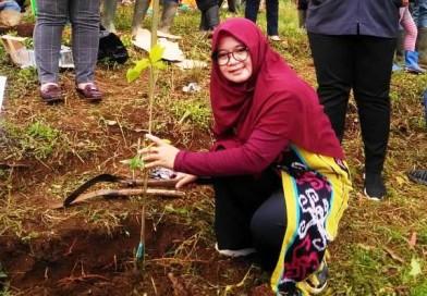 Atasi Lahan Kritis, Sari Sundari Getol Ajak Masyarakat Cintai Alam